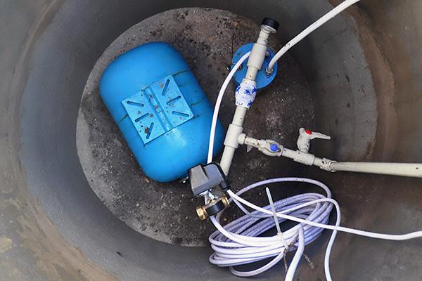 Чистка и ремонт скважин на воду. Замена насосного оборудования вРузском районе Московской области